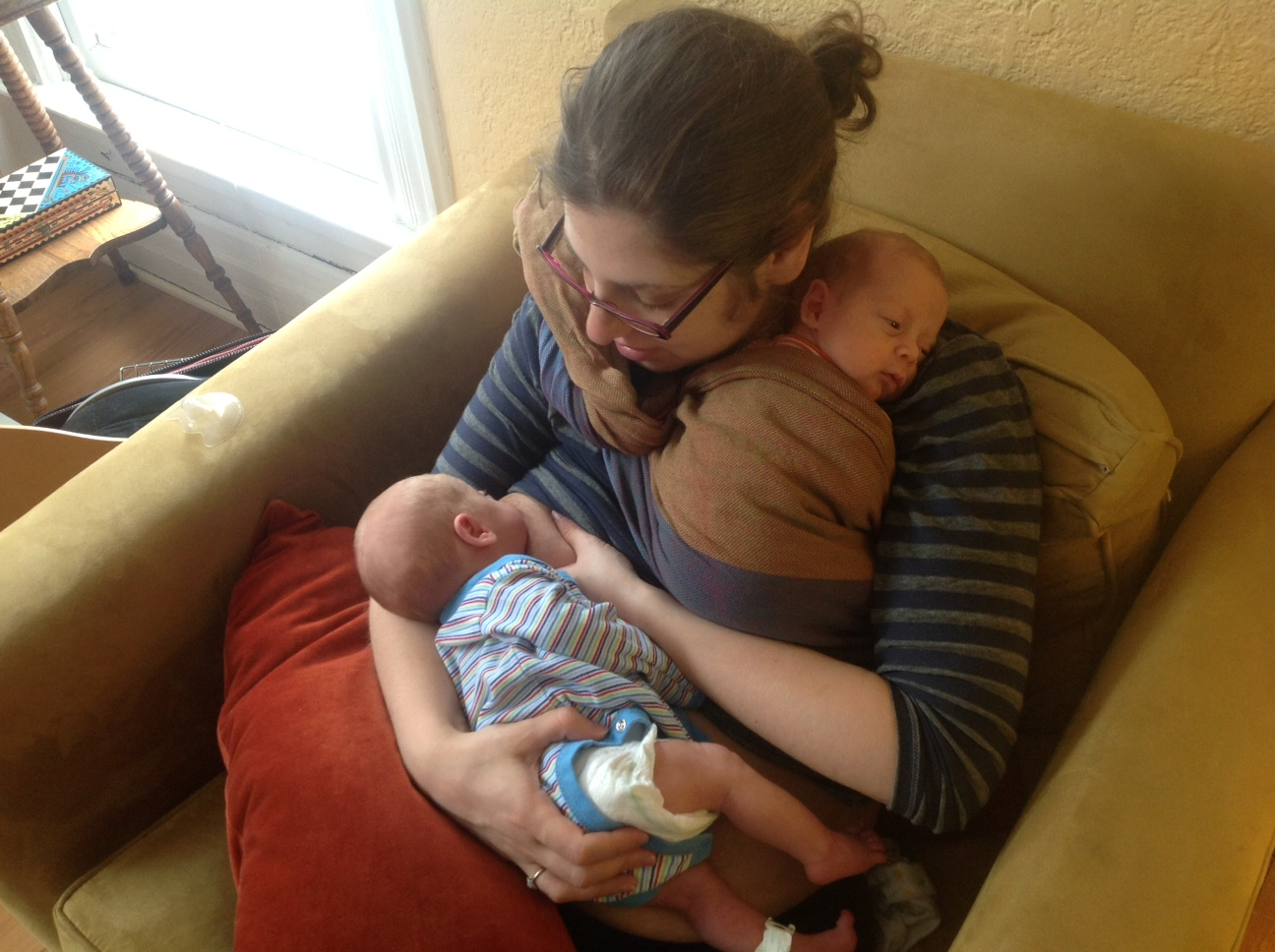 babywearing in the nicu | Closeathand Babywearing Service an Infant ...
